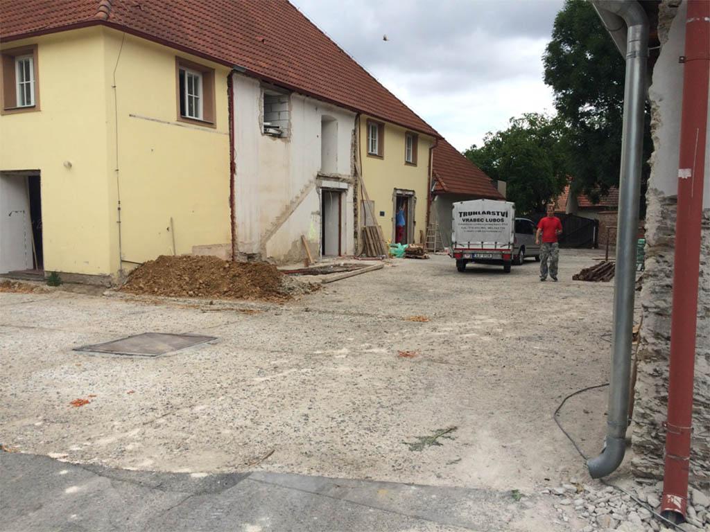 Stodola Herink - rekonstrukce restaurace, pivnice, zahrádky